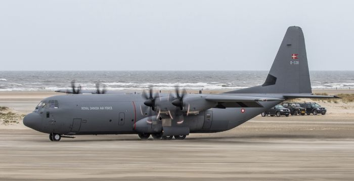 C-130J-30 lands on the beach of the Danish island of Rømø